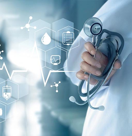 Arzt im digitalen Gesundheitswesen